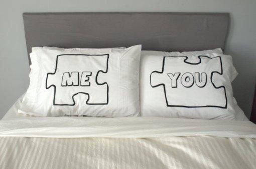 Ai ai.. acho que um casal deve ter a casa toda romântica, mas o quarto.. ah o quarto tem que ter detalhes como esse!